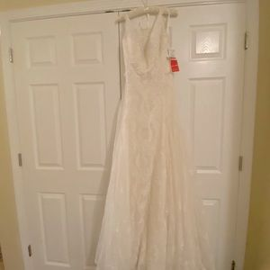 David's Bridal Wedding Dress NWT Size 12